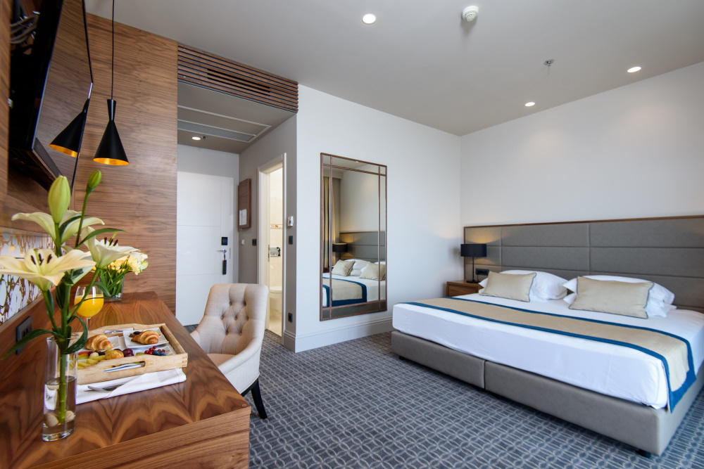 Tvin hotels